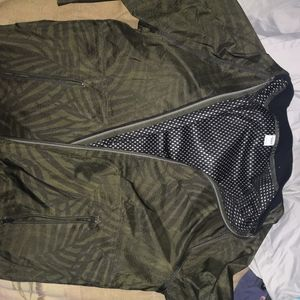 Bomber jacket with leaf print